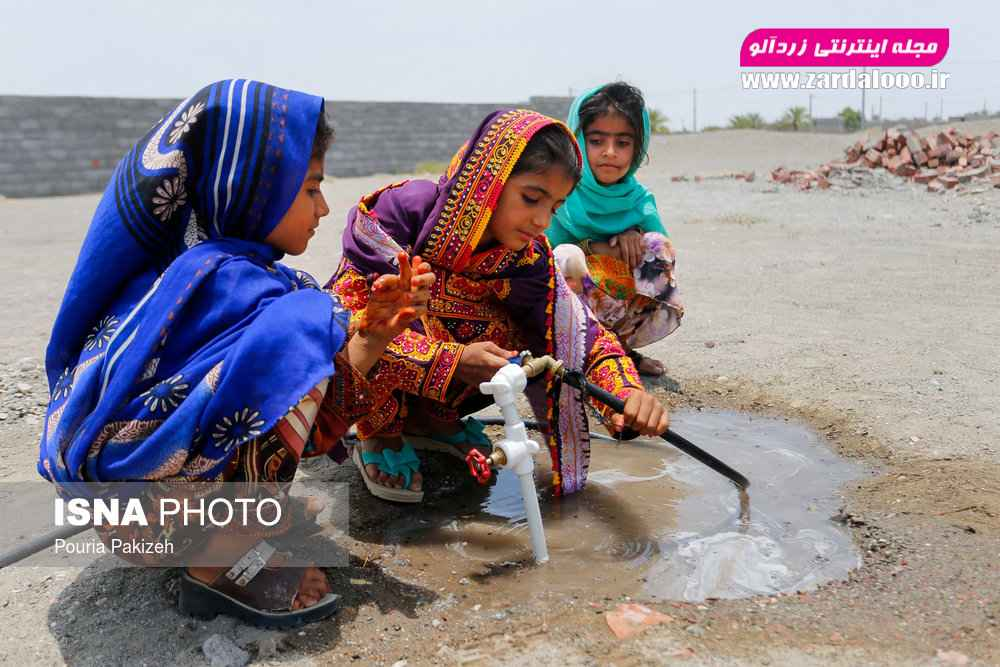 لوله کشی آب در قسمتی از روستا «مزرعه» انجام شده اما برای ساکنین این روستا نسبت به تعداد خانوارهایی که زندگی میکنند کفایت نمیکند.