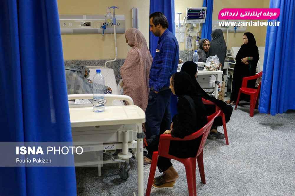 بیمارستان تازه تاسیس شده در شهرستان قلعه گنج که از امکانات خوبی برخوردار است و بسیاری از بیماران روستاهای مجاور برای معالجه به آنجا میروند.