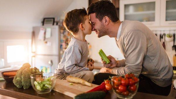 اصول تغذیه ای که مرد برای تولد  نوزاد زیبا باید مدتی قبل از آمیزش رعایت کند
