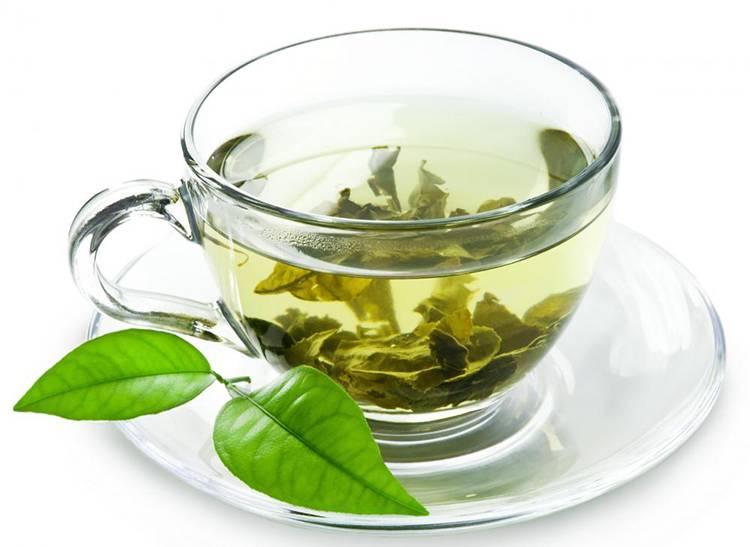 خوردن چای گیاهی برای درمان آکنه