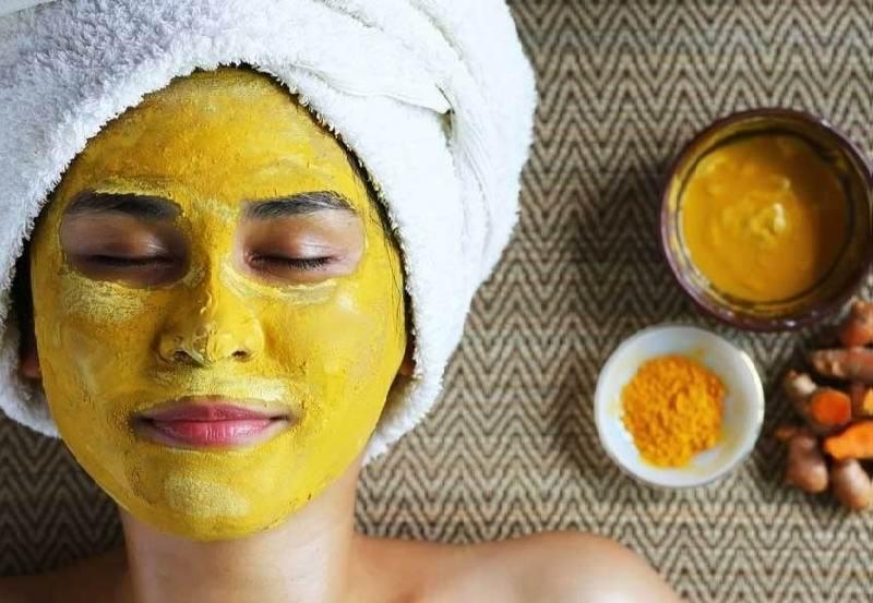 با ماسک زردچوبه منافذ پوستتان را ببندید